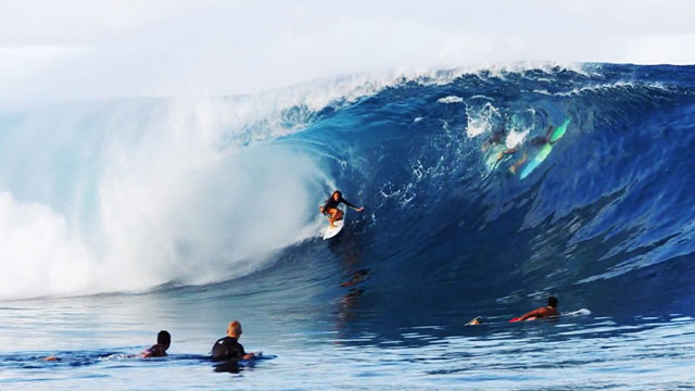 16 Year Old Girl Surfs Teahupoo
