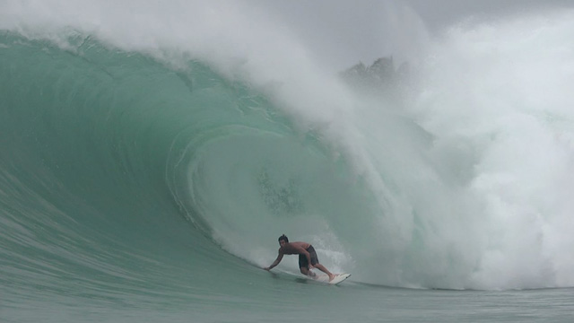Benjamin Sanchis & Standup Barrels in Nias