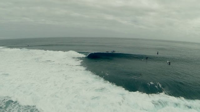 Surfing Cloudbreak by Drone Video