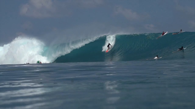 More Epic Lefts at Kandui