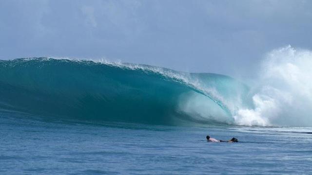 Perfect Day Mentawai Islands at the Kandui Resort Right
