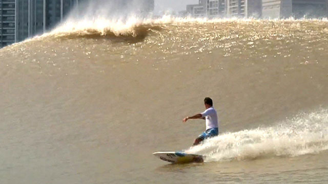 River Surfing in China