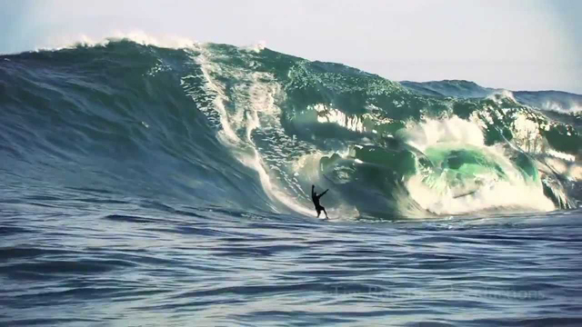 Is This the Biggest Shipstern Bluff has Ever Been Surfed?