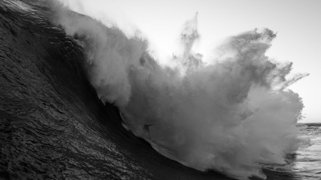 5 Massive Wipeouts from The Biggest Swell Event of the Year