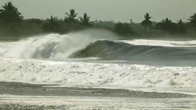 Nate Zoller Beach Breaks and Bombs