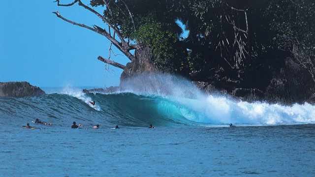 10 Tips for a Wicked Surf Trip